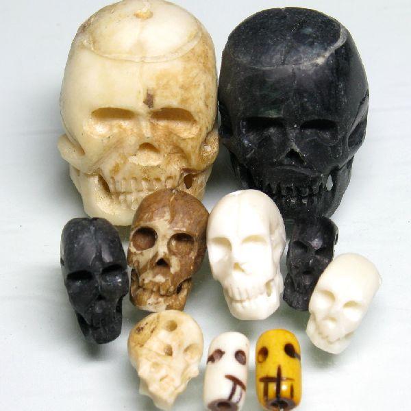 インドネシアの頭骸骨型(しゃれこうべ型)ボーンビーズです。