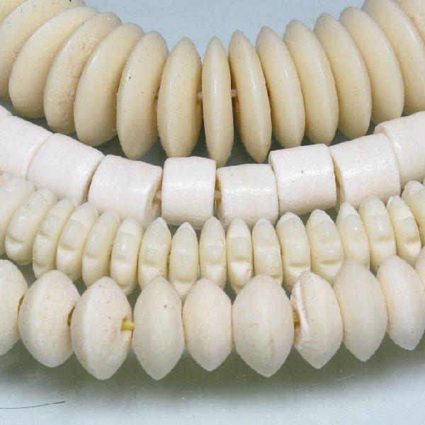 インドネシア・ジャワの水牛の骨で作られた円盤型(ボタン型)のボーンビーズです。