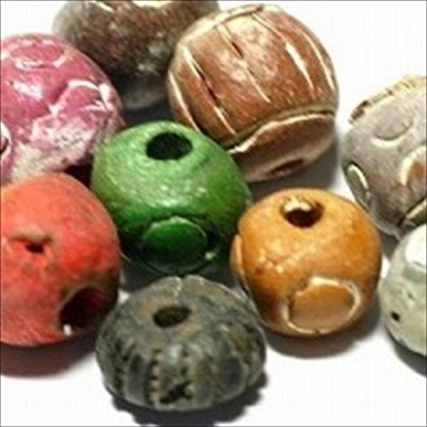 インドネシアの丸い形状のクレイビーズです。